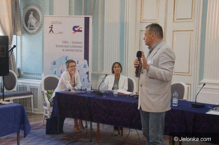 Jelenia Góra/Cieplice: Akademia samorządowa w Cieplicach