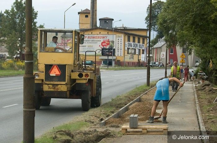 JELENIA GÓRA: Partactwo na budowie nowej drogi rowerowej