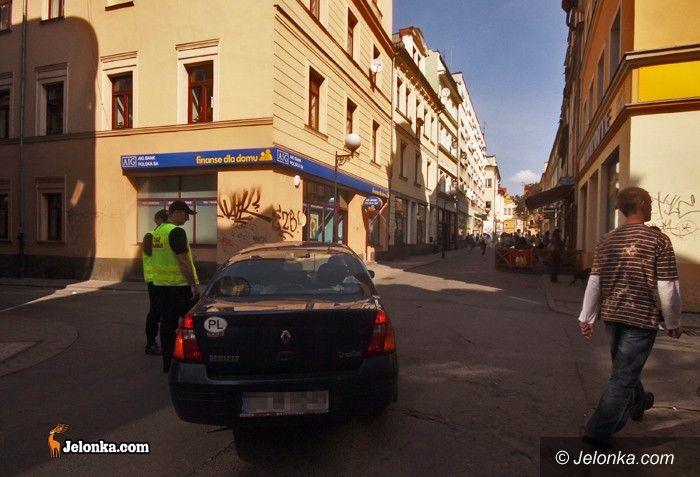JELENIA GÓRA: Centrum (nie) dla samochodów