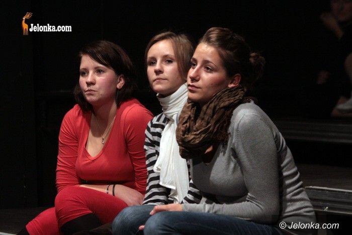 JELENIA GÓRA: Na scenie nie ma miejsca na wstyd