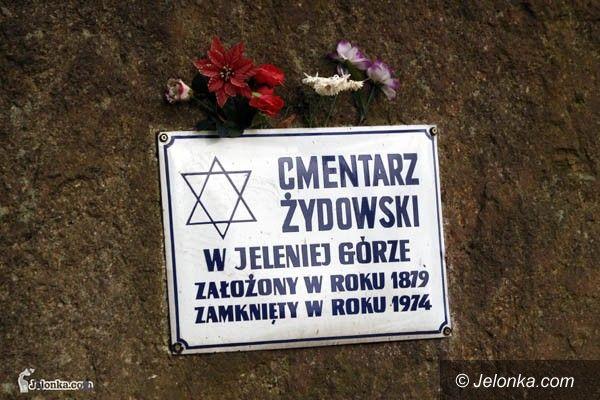 JELENIA GÓRA: Pamiętali o cmentarzu żydowskim