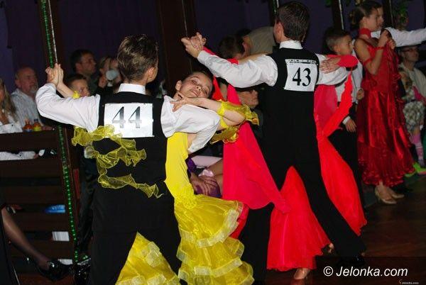 JELENIA GÓRA: Młodzi ludzie tańczyć chcą!