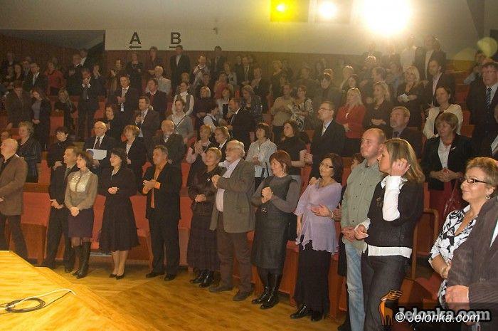 JELENIA GÓRA: Rotarianie zaśpiewali dla noworodków