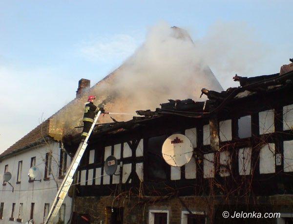 REGION: Dom w ogniu, trzy rodziny poszkodowane