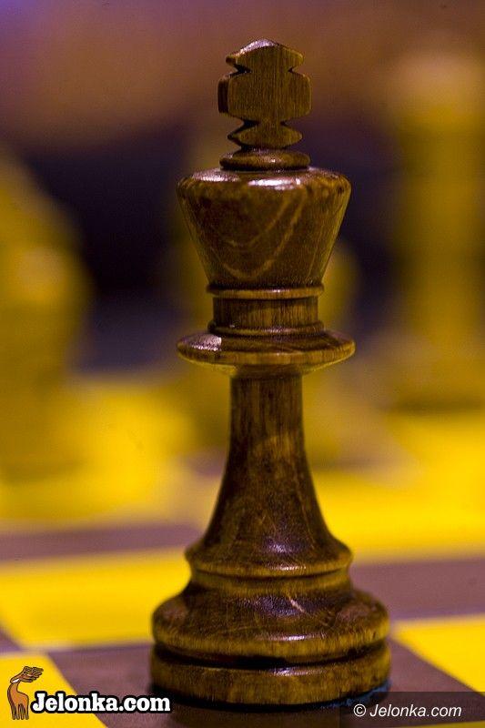Jelenia Góa - Złotnicza: II LO szachowymi mistrzami miasta