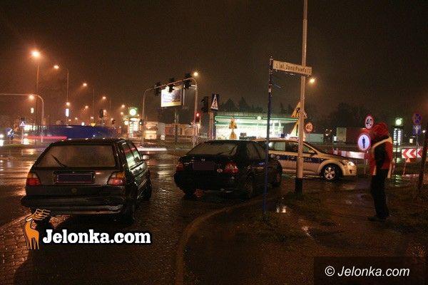 JELENIA GÓRA: Pogoda nie sprzyja kierowcom