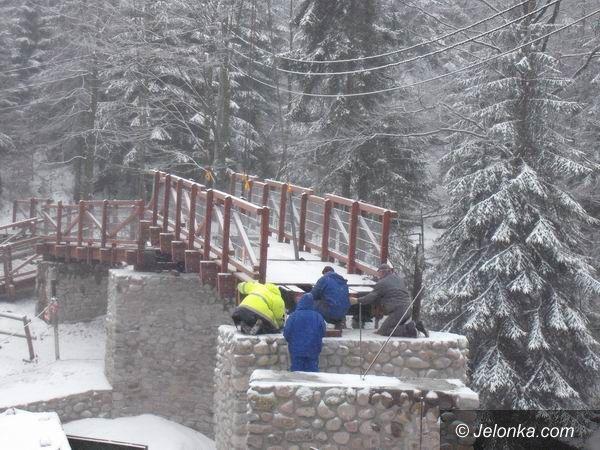 SZKLARSKA PORĘBA: Zbudowali nowy most