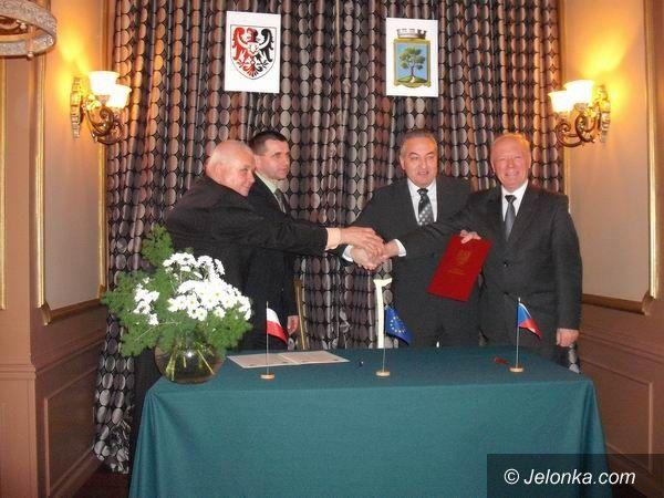 REGION: Powiat bliżej Jablonca