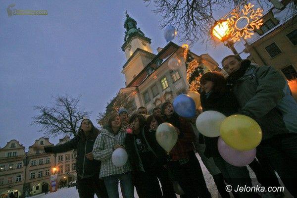 JELENIA GÓRA: Trąbkami i balonikami przed Wielką Orkiestrą