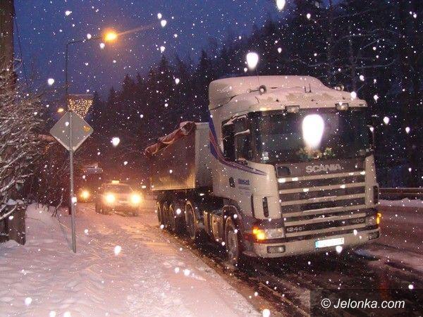 REGION: Straszna noc na drogach, dzień nie jest lepszy