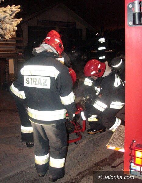 LWÓWEK ŚLĄSKI: Spłonął warsztat samochodowy