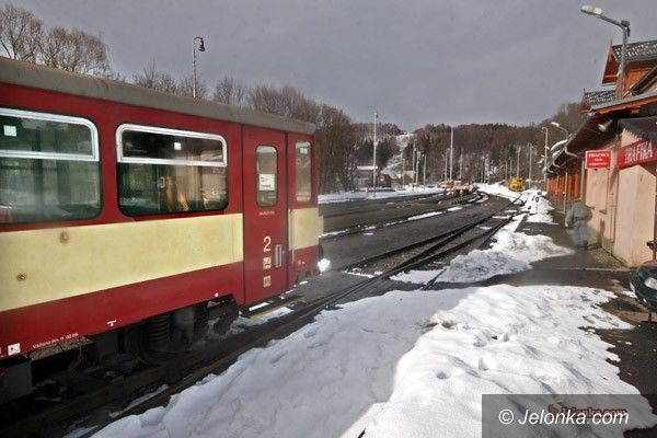 SZKLARSKA PORĘBA: W wakacje pociągiem do Harrachova?