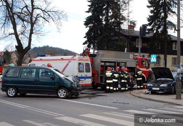 JELENIA GÓRA: Wypadek na niebezpiecznym skrzyżowaniu