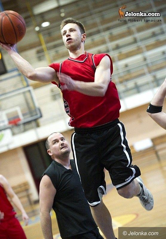 Jelenia Góra: AŚ Amator na czele Sudety Basket Ligi
