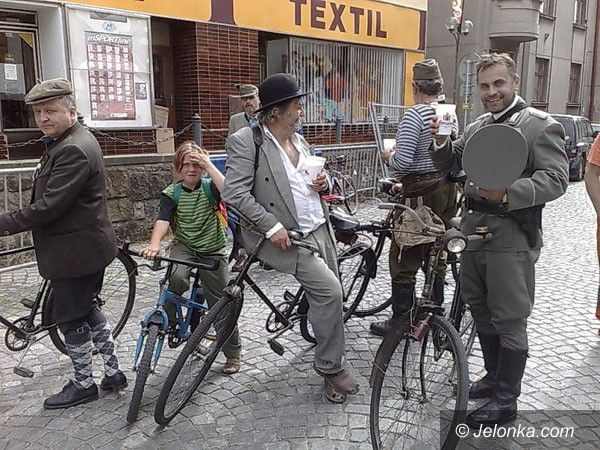 JELENIA GÓRA: Na retro–rowerach z Czechami