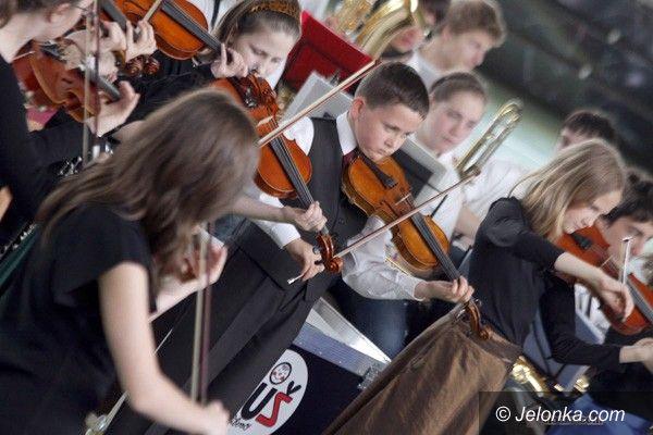 JELENIA GÓRA: Dzieci dzieciom, czyli koncert z zadęciem