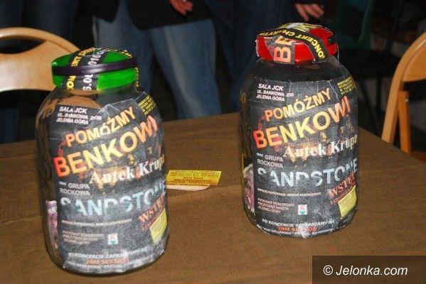 JELENIA GÓRA: Muzyką pomogli Benkowi
