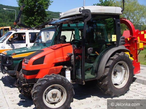 SZKLARSKA PORĘBA: Nowa droga i wóz strażacki