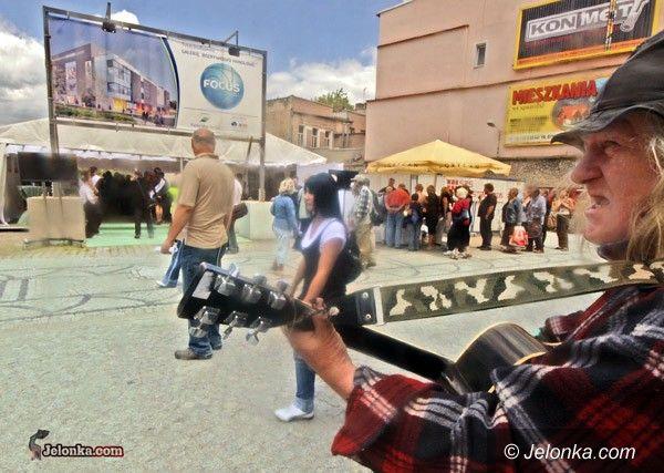 JELENIA GÓRA: Budowa Focus Mallu ruszyła – VIDEO