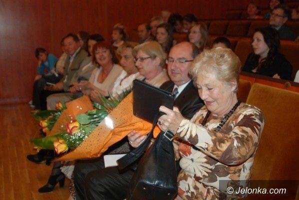 JELENIA GÓRA: Z muzyką i czerwoną różą do lata