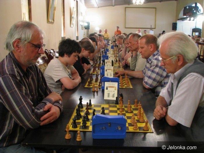 Jelenia Góra: Szachiści zagrali o Puchar Karkonoszy