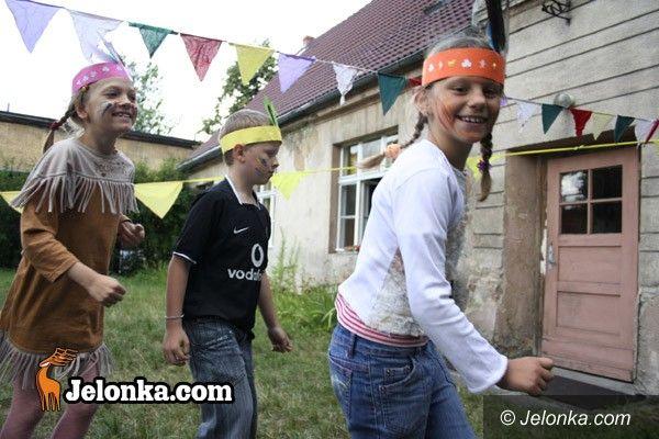 JELENIA GÓRA: Indiańskie lato w MDK