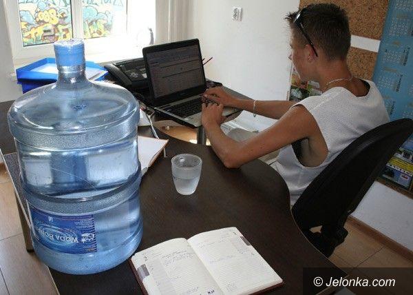 JELENIA GÓRA: W pracy łyk wody dla ochłody
