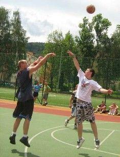 Jelenia Góra: Koszykarskie trójki zagrają na Orliku