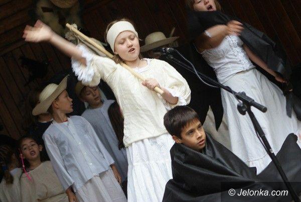 JELENIA GÓRA: Wjazd Matołka do muszli koncertowej