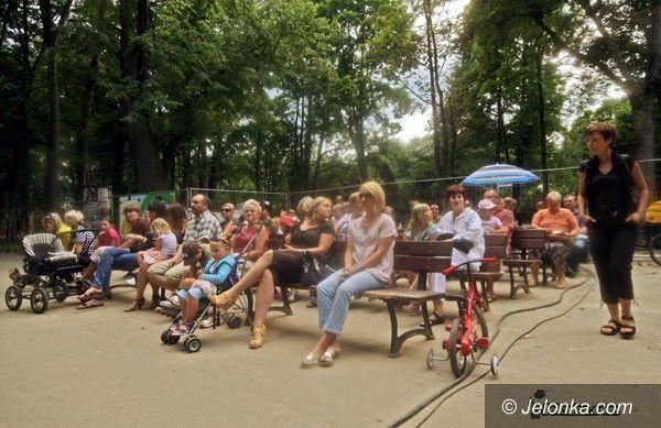 JELENIA GÓRA: Spacerowe koncerty w Parku Zdrojowym