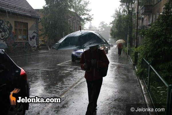JELENIA GÓRA/ Dolny Śląsk: Burze z gradem przejdą przez Dolny Śląsk