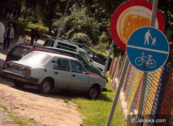 JELENIA GÓRA: Parkowanie w mieście: zabobrzanie pokrzywdzeni