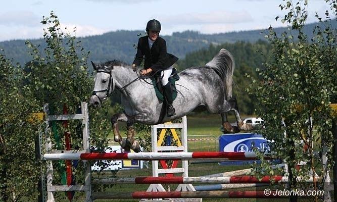 JELENIA GÓRA: Na koń w pięknym kapeluszu