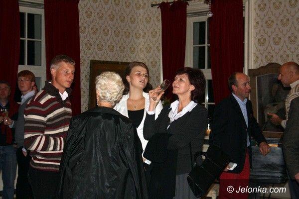 STANISZÓW: Igraszka ze świętymi w barokowym pałacu