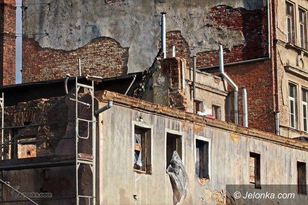 JELENIA GÓRA: Dewastacja i ruiny na Obserwatorium Karkonoskim