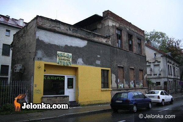JELENIA GÓRA: Czy znajdą się pieniądze na rozbiórkę ruiny?