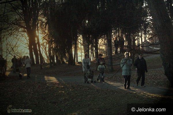JELENIA GÓRA: Gorąco jak w...  listopadzie. Złota polska jesień