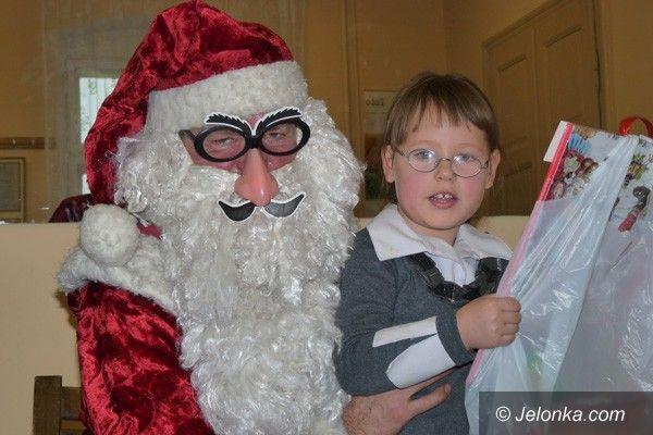 JELENIA GÓRA: Mikołaj nie zapomniał o małych akademikach