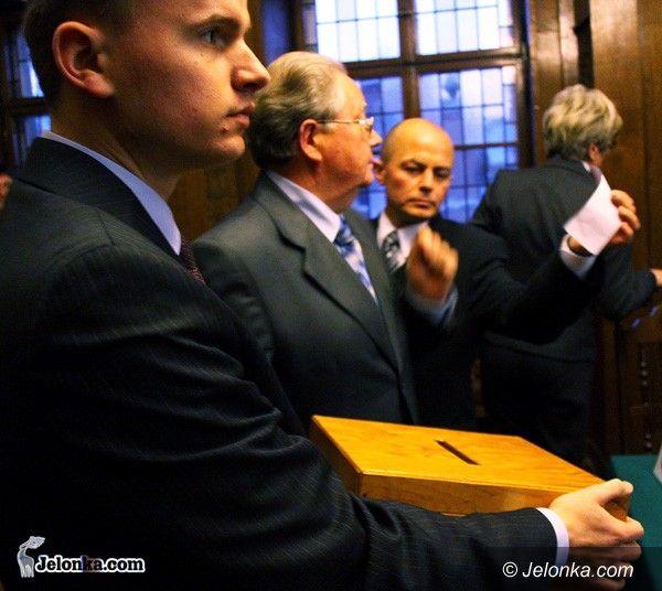 JELENIA GÓRA: Oliwera Kubickiego poprawki dla budżetu: ważne dla mieszkańców