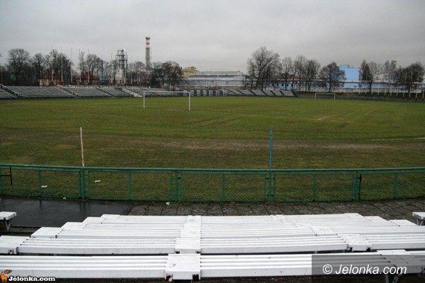 JELENIA GÓRA: Strome schody do EURO 2012 w Jeleniej Górze