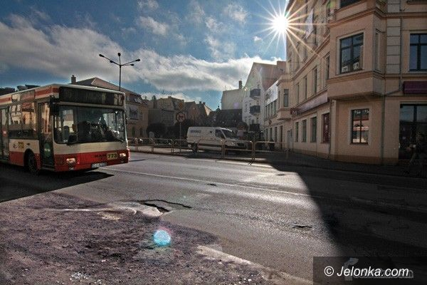 JELENIA GÓRA: Linie autobusowe: racjonalne odchudzanie?