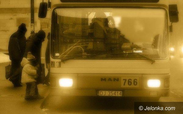 JELENIA GÓRA: Zimowa szczelność autobusu