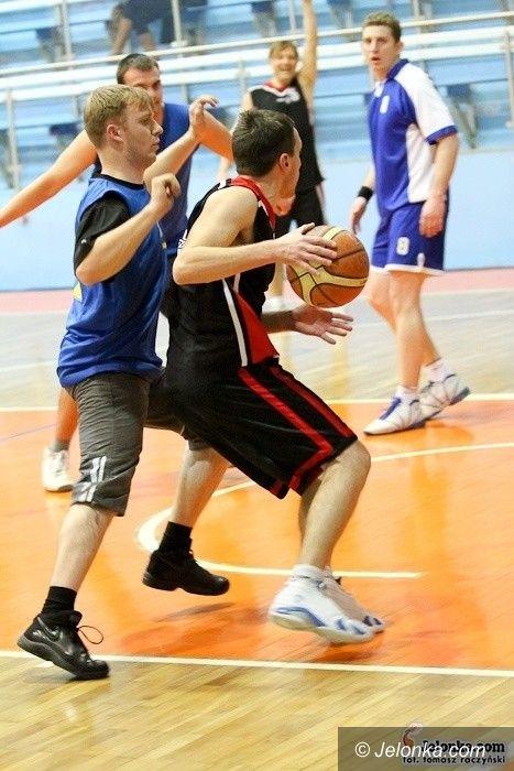 Jelenia Góra: Koszykarze amatorzy rozegrali zaległą 2. kolejkę spotkań MSBL