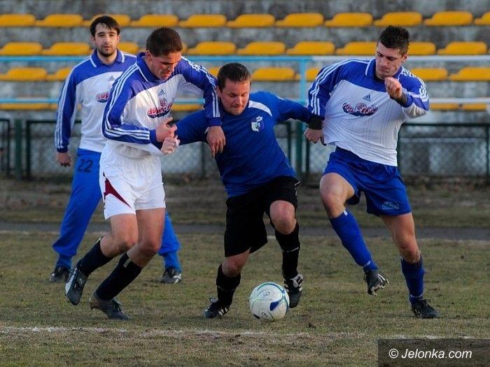 IV-liga piłkarska: Grała IV–liga piłkarska, Karkonosze pauzowały