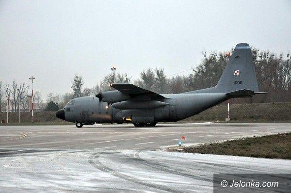 JELENIA GÓRA: Wojskowy Hercules latał nad Jelenią Górą