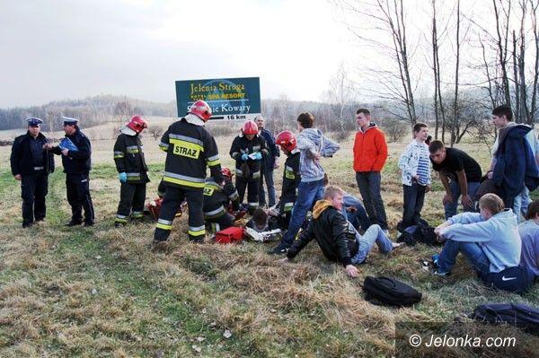 REGION: Pijany kierowca busa wpadł w poślizg. Ośmiu rannych!