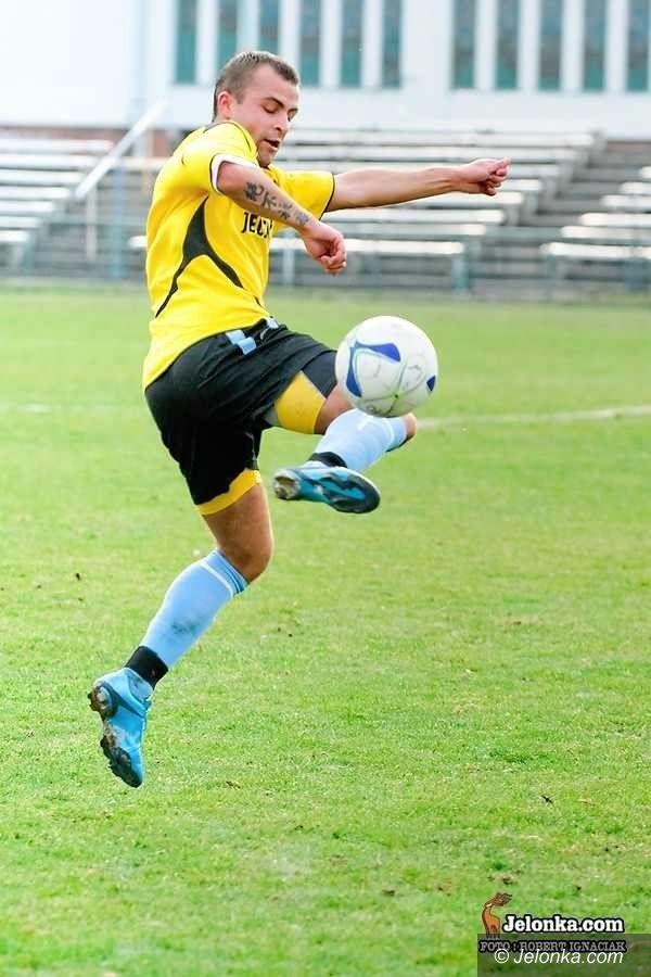 IV-liga piłkarska: Rozpędzone Karkonosze wybierają się do Legnicy