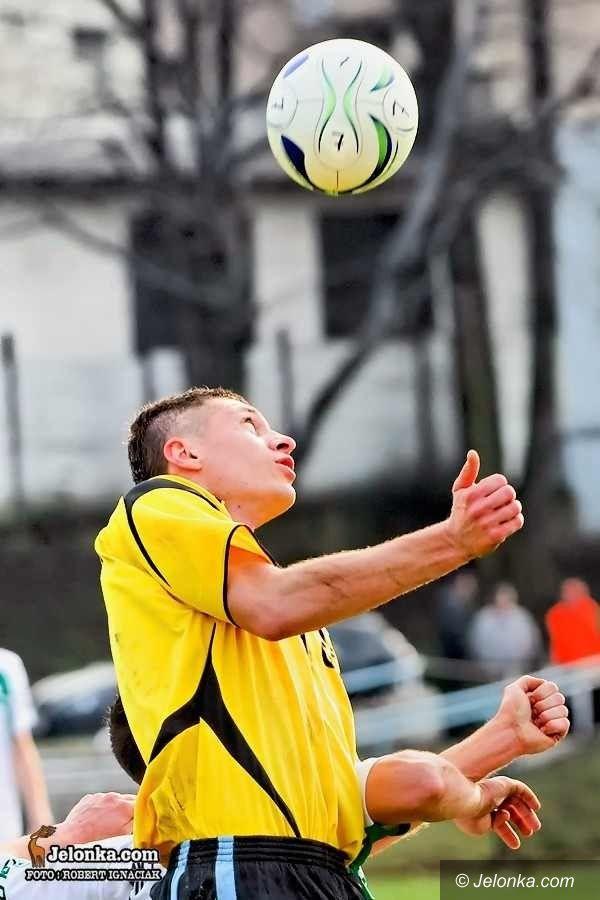 IV-liga piłkarska: Szósty w tabeli GKS za silny, Karkonosze przegrywają w Kobierzycach