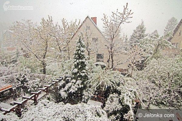 REGION JELENIOGÓRSKI: Witaj majowa zimowa jutrzenko: region w śniegu!