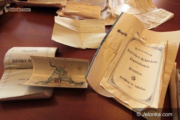 JELENIA GÓRA: Dokumenty z przeszłości w bibliotece cyfrowej